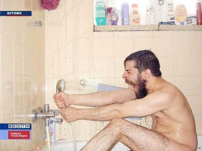 v-dushe-muzhik